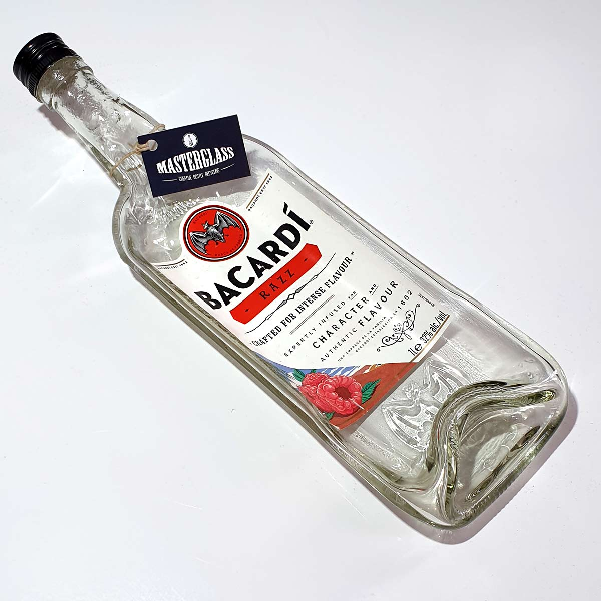 Tot borrelplank gesmolten fles Bacardi-Razz