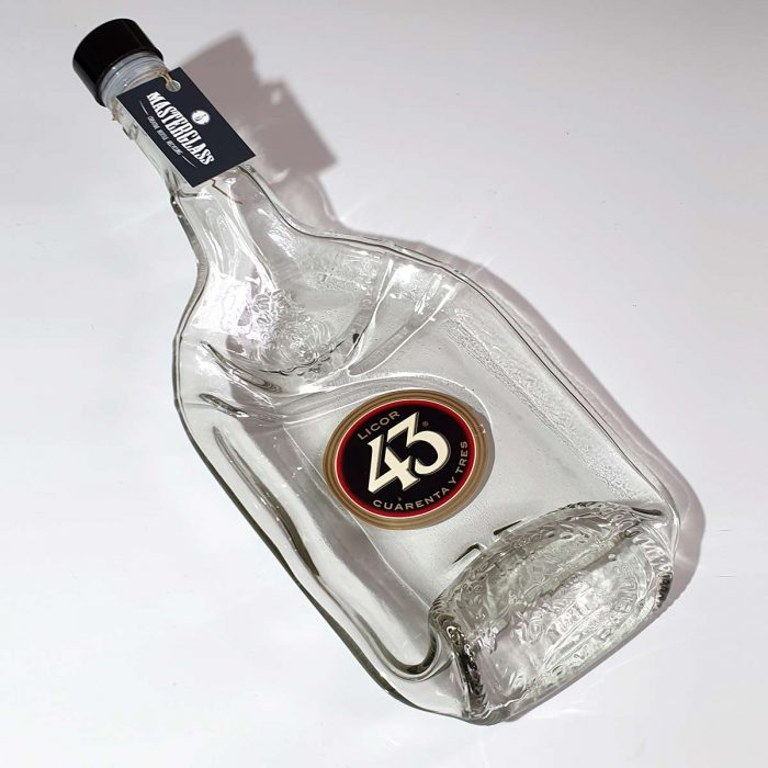 Tot borrelplank gesmolten fles Licor43