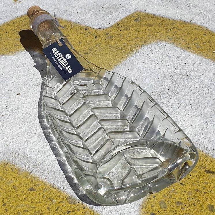 Tot borrelplank gesmolten fles Zig-Zag